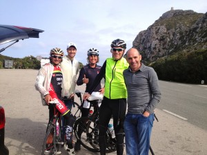 Ironman Ivan Rana flew to Mallorca to be bikefittet by Retül guys like Todd Carva and Frank :-) And ofcourse he came to have a ride with us :-) And this is how the motivation is flying up!